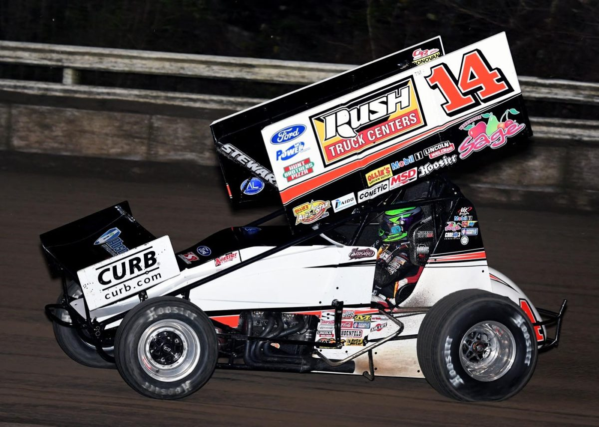 Smoke continues early season success with pair of top-fives at East Bay
