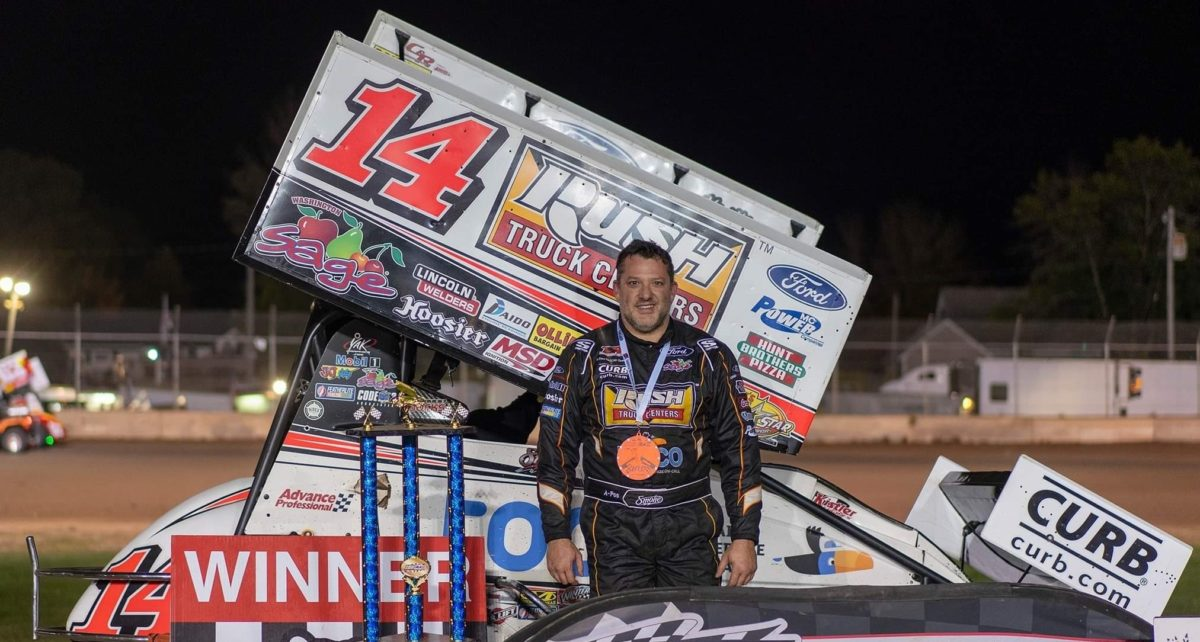 Tony Stewart earns IRA victory at Plymouth Dirt Track