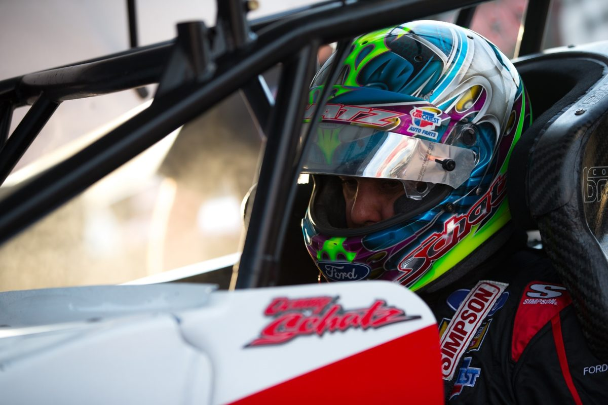 Donny Schatz hard charges to a top-ten during Huset's 20K finale